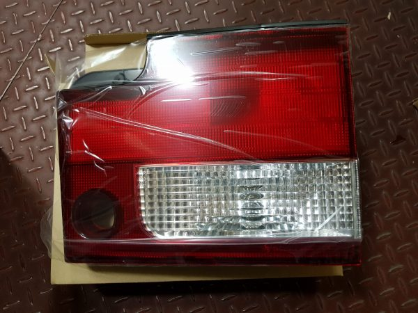 Rear Combi Tail Gate Lamp Right 8360205801 Ssangyong MUSSO
